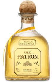 botella de tequila patrón añejo