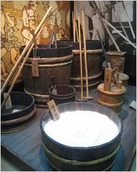 midiendo grados de alcohol del sake