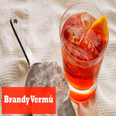 trago con brandy vermú